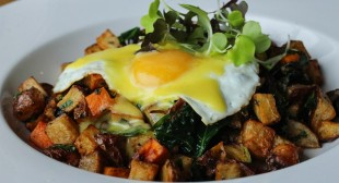 BRUNCH AT THE WESTSIDE LOCAL IS A ONCE-A-WEEK EVENT WORTH WAITING FOR
